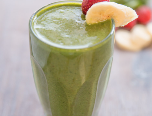 Banana Spinach Strawberry Smoothie
